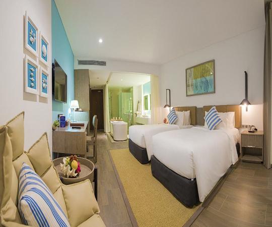 Phòng Club hướng thành phố 2 giường (Club City View Twin Room)